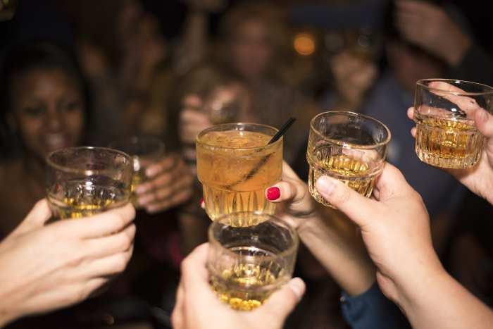 Como tomar alcohol sin sacar barriga